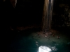 Σταλαγμίτες, οι ρίζες ενός δέντρου που τεντώνοντι μέχρι το νερό και κολυμβητές στα κρυστάλινα εξωτικά νερά συνθέτουν την σενότα Σαμούλα
