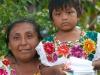 Μικρές και μεγάλες ηλικίες φορούν τις παραδοσιακές φορεσιές της περιοχής.
