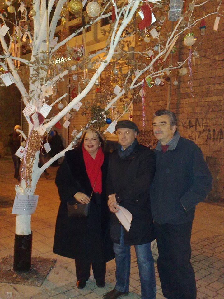 Άναψε το Δέντρο της Μαγικής Χριστουγεννιάτικης Αγοράς της Βέροιας