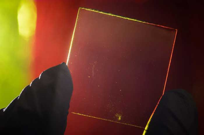 transparent-luminescent-solar-concentrator-colorful-640x425